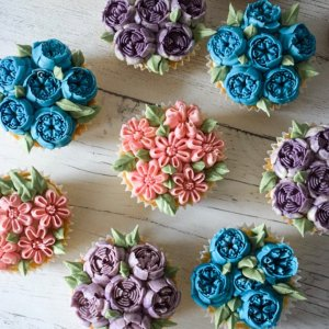 Flowering Cupcakes | Nikon D5300